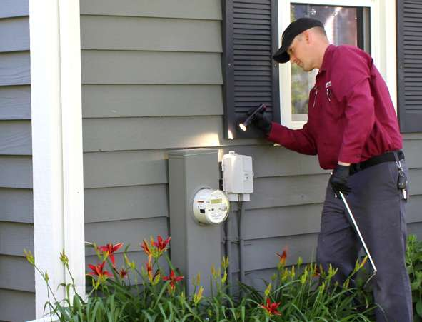 Residential pest control services at Batzner pest control in Wisconsin - Serving New Berlin, Green Bay, Milwaukee, Madison, Racine and surrounding areas